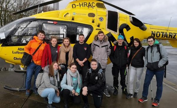 Schulsanitätsdienst besucht Bundeswehrkrankenhaus
